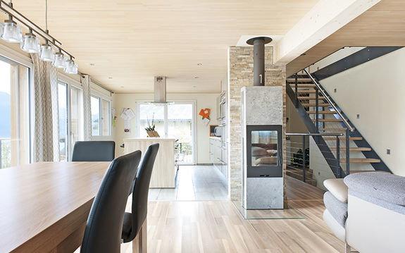 Einfamlienh user referenzen konzept wyler wyler holzbau for Einfamilienhaus innenansicht