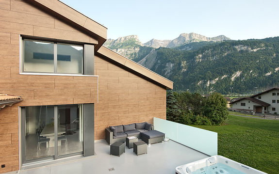 ersatzneubau frunz in brienz terrasse. Black Bedroom Furniture Sets. Home Design Ideas